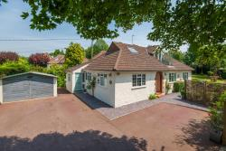 Detached Bungalow For Sale Northchurch Berkhamsted Hertfordshire HP4