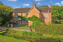 Detached House For Sale Bicester Road  Buckinghamshire OX27