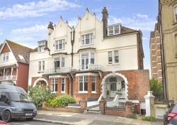 Flat To Let Third Avenue Hove East Sussex BN3