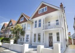 Semi Detached House To Let Langdale Road Hove East Sussex BN3