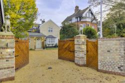Detached House For Sale Bury Road Newmarket Suffolk CB8