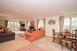 Detached House For Sale Nr Hythe  Kent CT18