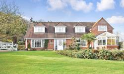 Detached House For Sale Crundale  Kent CT4