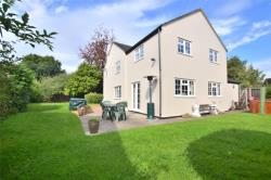 Detached House For Sale GLOUCESTER Hucclecote Gloucestershire GL3