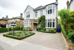 Detached House For Sale Hadley Common Barnet Hertfordshire EN5
