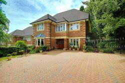 Detached House For Sale Saddlers Close Arkley Hertfordshire EN5