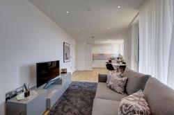 Flat To Let Wandsworth Road Nine Elms Greater London SW8