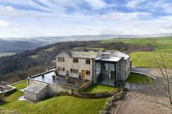 Detached House For Sale South Crosland Huddersfield West Yorkshire HD4