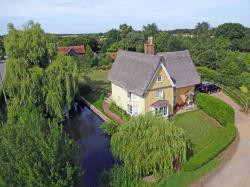 Detached House For Sale  Ipswich Suffolk IP7