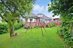 Detached House For Sale Woodvale Road Gurnard Isle of Wight PO31