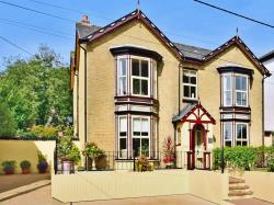 Detached House For Sale Victoria Road Freshwater Isle of Wight PO40