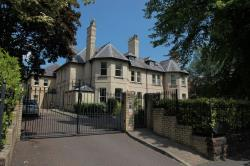 Flat For Sale Cavendish Road Bowdon Greater Manchester WA14