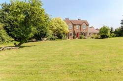 Detached House For Sale Deppers Bridge  Warwickshire CV47