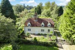 Detached House For Sale  Newbury Hampshire RG20