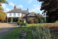 Detached House For Sale   Kent DA12