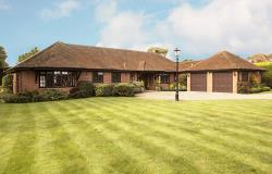 Detached Bungalow For Sale Spencers Wood Reading Berkshire RG7
