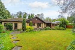 Detached Bungalow For Sale Webb Ellis Road Rugby Warwickshire CV22