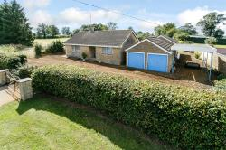 Detached Bungalow For Sale Crick Northampton Northamptonshire NN6