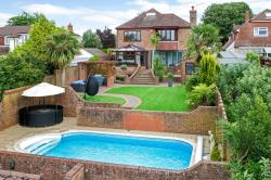 Detached House For Sale Catherington Waterlooville  Hampshire PO8