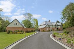 Detached House For Sale Luddington  Warwickshire CV37