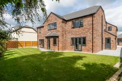 Detached House For Sale Oakleaf Close Shavington Cheshire CW2