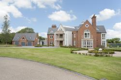 Detached House For Sale  Ullenhall Warwickshire B95
