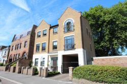 Flat To Let St Leonards Road WINDSOR Berkshire SL4