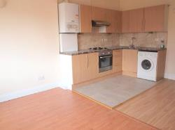 Flat To Let  Tooting Bec Greater London SW17