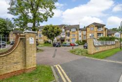 Flat For Sale  Stanmore Middlesex HA7