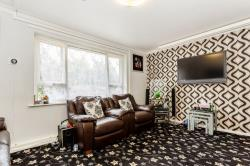 Flat For Sale Dale Close Batley West Yorkshire WF17