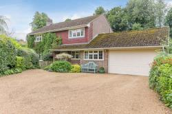Detached House For Sale  Hook Hampshire RG27