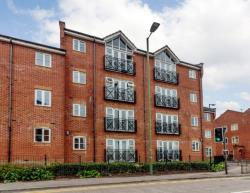 Flat For Sale London Road Apsley Hertfordshire HP3