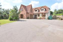 Detached House For Sale Havering-atte-bower Romford Essex RM4
