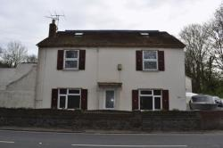 Detached House For Sale Staines-Upon-Thames Wraysbury Berkshire TW19