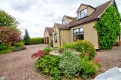 Detached House For Sale  Beckingham South Yorkshire DN10