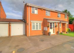 Semi Detached House For Sale  Buckingham Buckinghamshire MK18