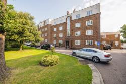 Flat For Sale  London Greater London N14