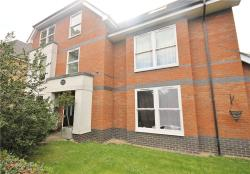 Flat To Let  Egham Surrey TW20