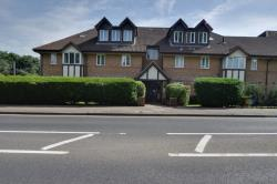 Flat For Sale Watling Street Radlett Hertfordshire WD7
