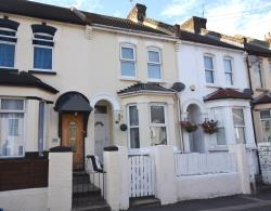 Terraced House For Sale Gordon Road Rochester Kent ME2