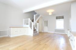 Terraced House To Let  Whetstone Greater London N20