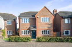 Detached House To Let  West Molesey Surrey KT8