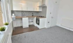 Flat To Let  Romford Essex RM7