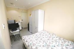 Flat To Let  Collier Row Essex RM7