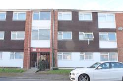 Flat To Let  Langley Berkshire SL3