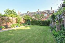 Terraced House For Sale St. Giles Croft Beverley East Riding of Yorkshire HU17