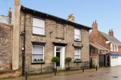 Terraced House For Sale Walkergate Beverley East Riding of Yorkshire HU17