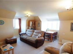 Flat For Sale  Golden Court Middlesex TW7