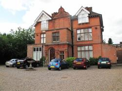 Flat To Let The Street Brundall Norfolk NR13