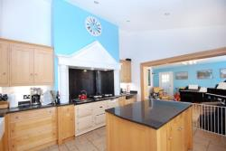 Detached House To Let Westmill Buntingford Hertfordshire SG9